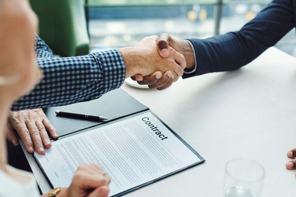 Các thông tin, điều khoản hợp đồng cần được minh bạch rõ ràng
