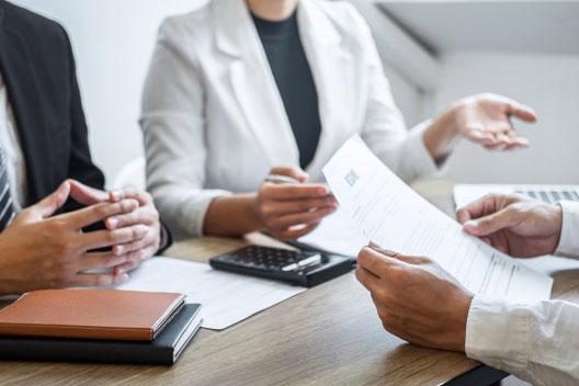 việc thương lượng các điều khoản và ưu đãi dễ dàng hơn