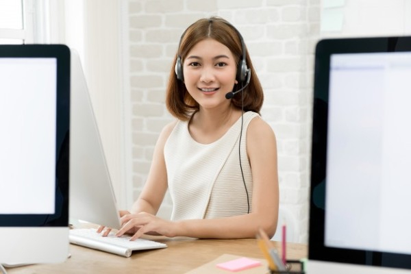 Tư vấn viên có kỹ năng và thái độ tốt sẽ giúp kết nối khách hàng và doanh nghiệp gần hơn.